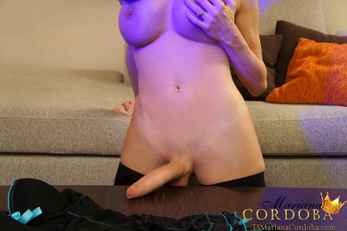 A Very Gorgeous T-Girl With An Fantastic Big She Penis