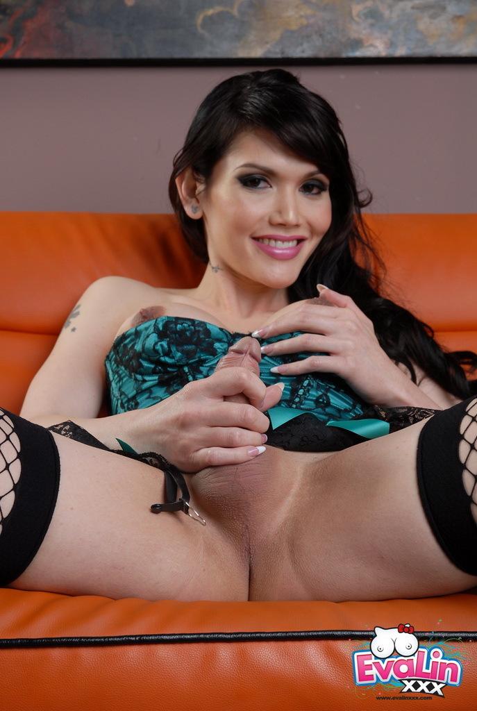 Alluring Eva Posing In Sensuous Corset