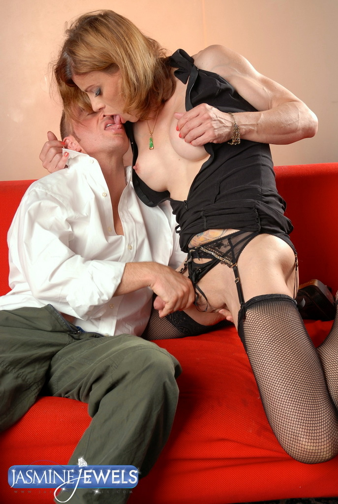 Awesome Jasmine Jewels Having Some Nasty Fun With Ray
