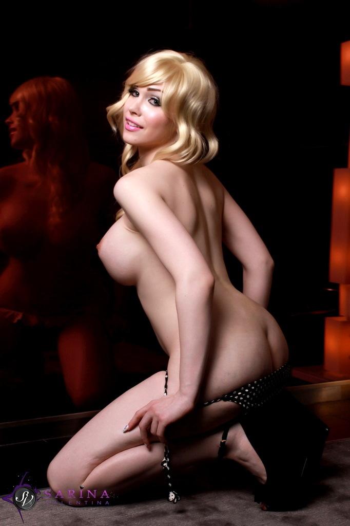 Busty Sarina Posing Her Smoking Beautiful Body