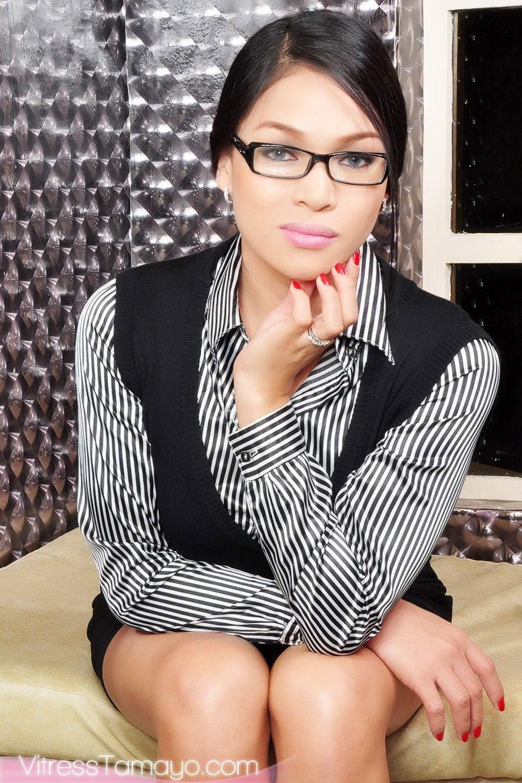 Cutsy Tranny Dressed Up As A Prostitute Secretary