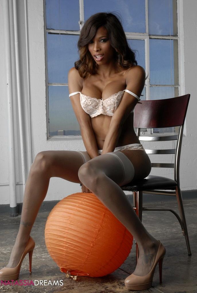 Ebony Hottie Natassia Posing In Attractive Stockings