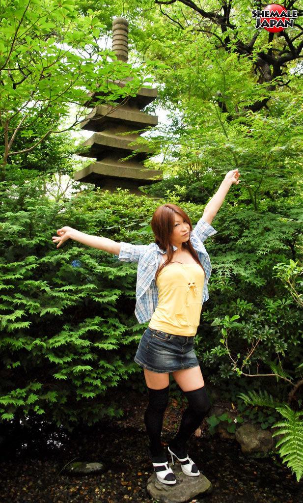 Famous Japanese Newhalf Nagisa Takahashi At TGirl Japan