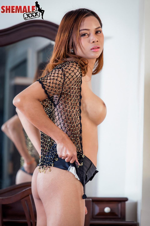 Fantastic Thai T-Girl Mint Has A Racy Face, Enormous Racy Boo