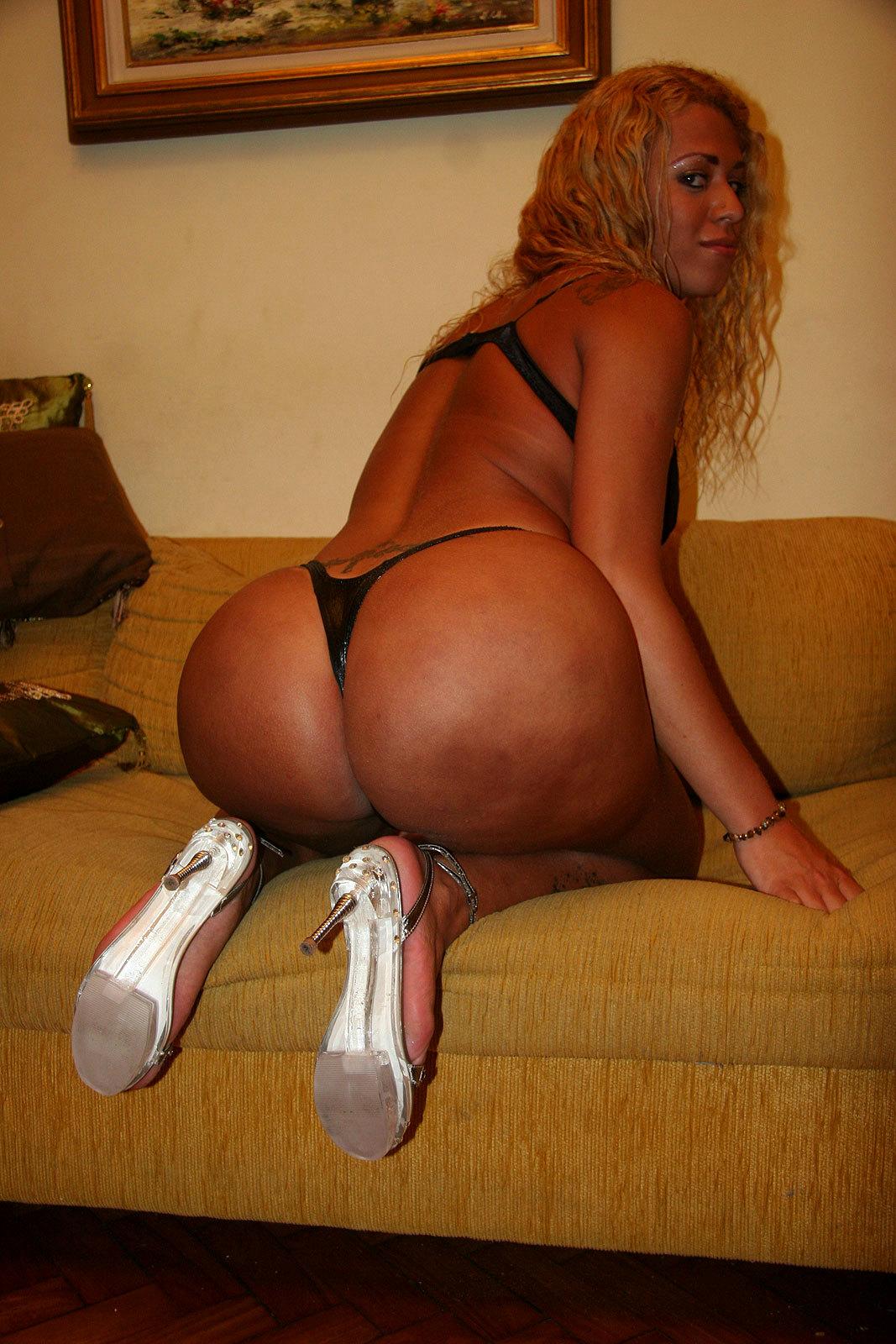 Huge Tit Blonde T-Girl Walkyria Drummond Bang's Latina Babe