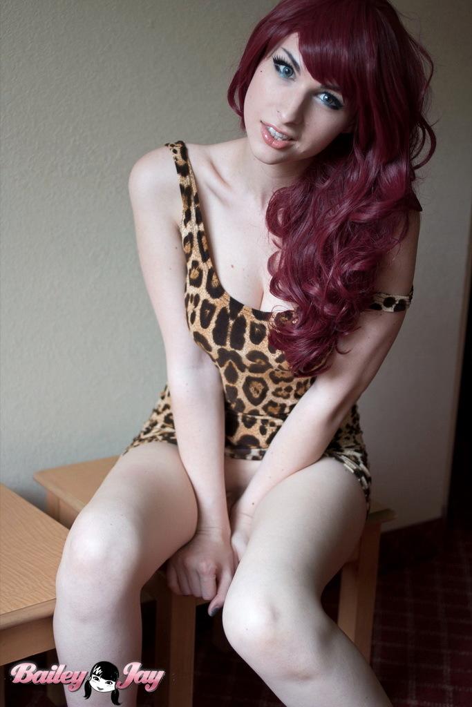 Flirtatious Redhead Bailey Exposing Herself