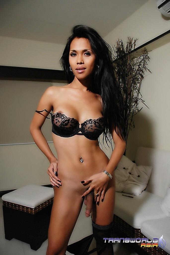 Flirtatious Thai Femboy SAMANTHA Squeezing Her Long Shecock