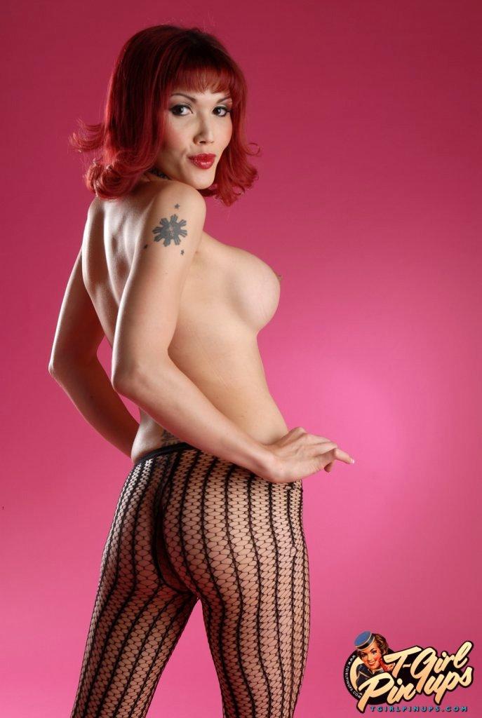 Flirtatious TS Eva Lin Posing Her Beautiful Flirtatious Body