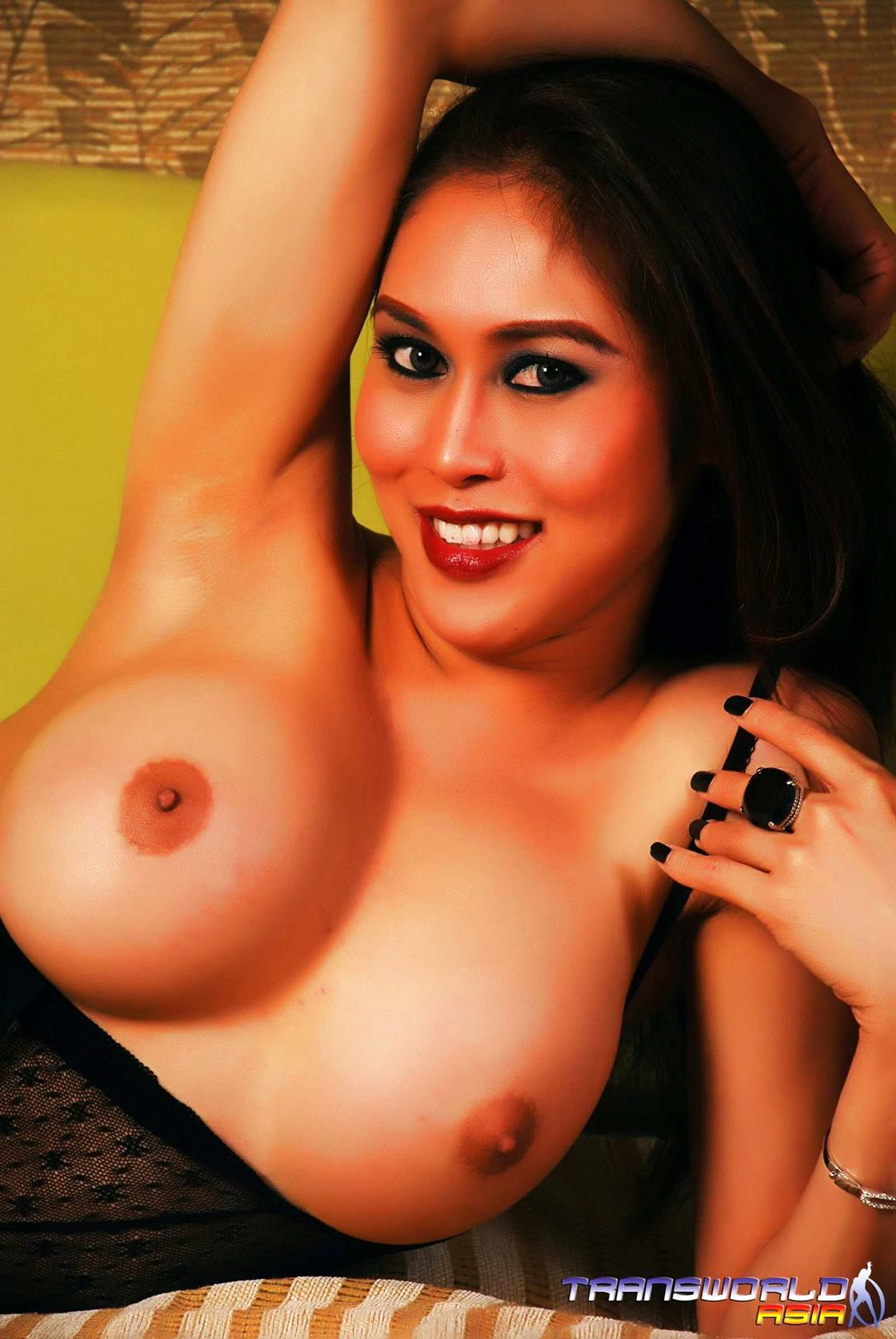Gorgeous Thai Ts Flashes Off Her SCULPTURAL Body In Lace