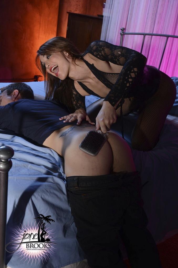 Horny Jonelle Brooks Punishing Her Boyfriend