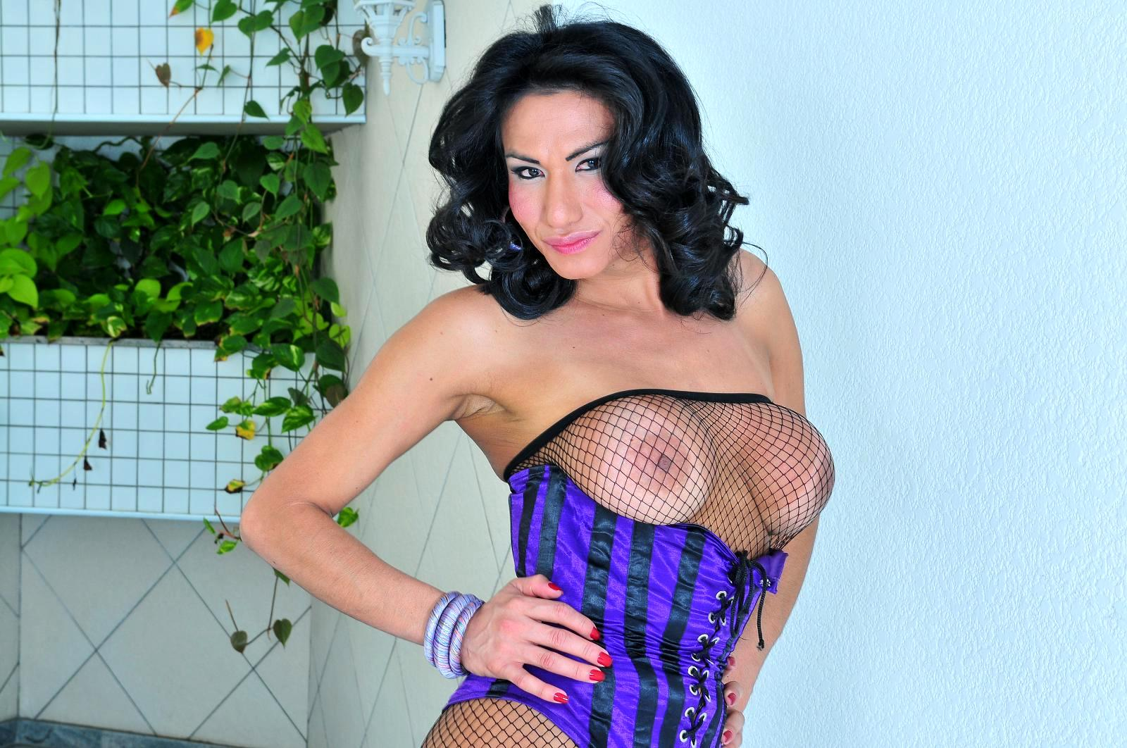 Huge Tit Transexual Lorena Smith Bang's Wet Latina Pussy