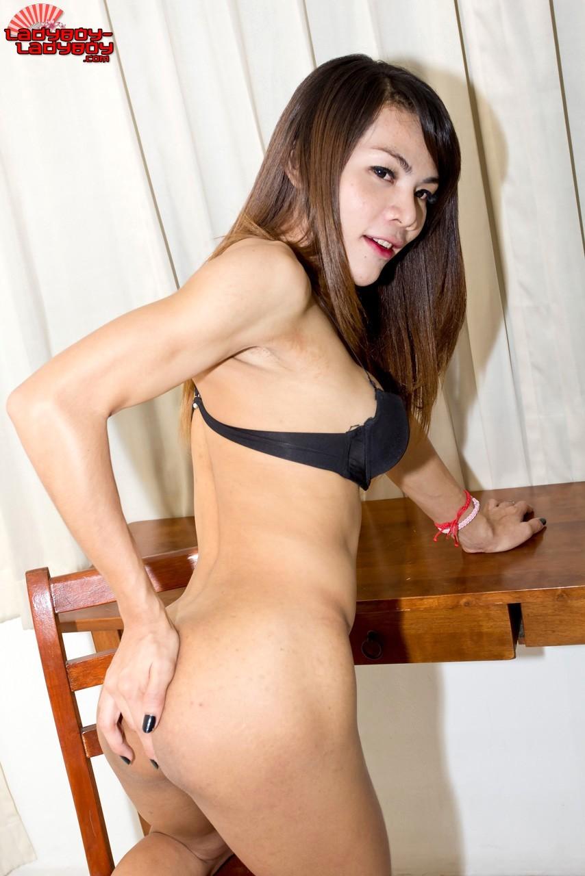 I Met This Girl In A Asian Club In Bangkok Sengjeun Ramintra,
