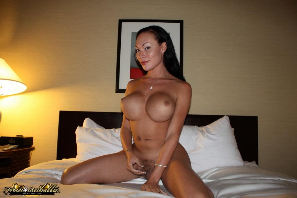Incredible Mia Isabella Posing Her Massive Breasts Tool
