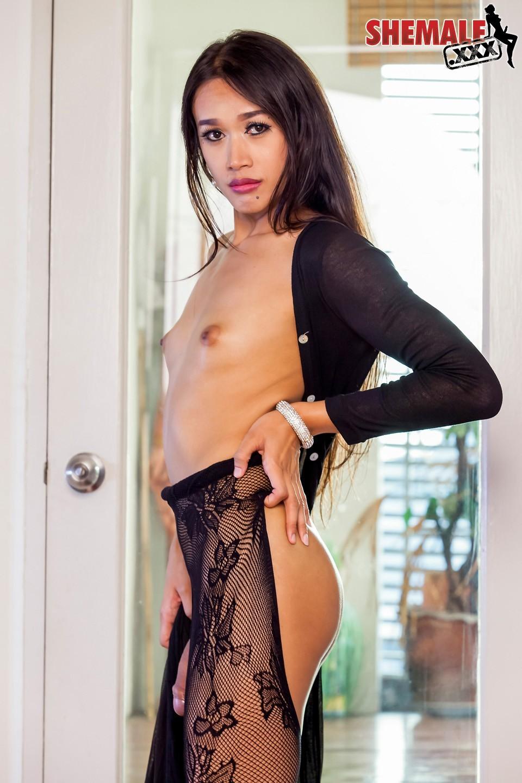 Katay Is A Gorgeous Bangkok Girl With A Racy Face, Kissable