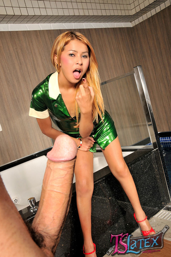 Bruna Castro Flashes Off In Yummy Latex