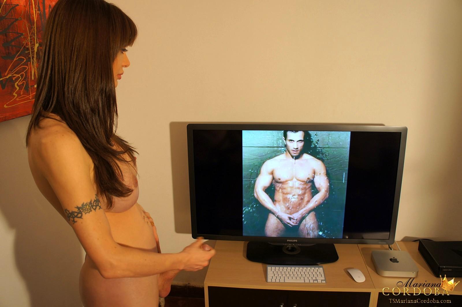 Ladyboy Mariana Cordoba Watching Porn And Wanking
