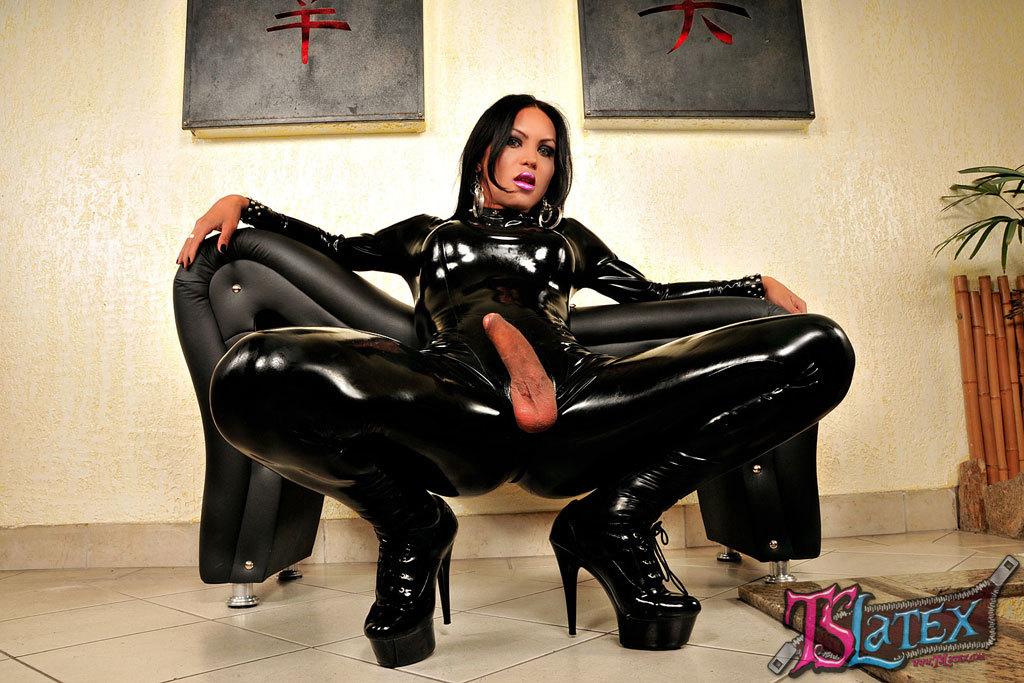 #1 Sexy Black Shemale Pornstar TS Madison @ www