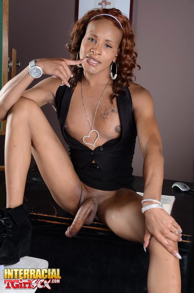 Breathtakingly Sensuous Adrianna Rush Stripping