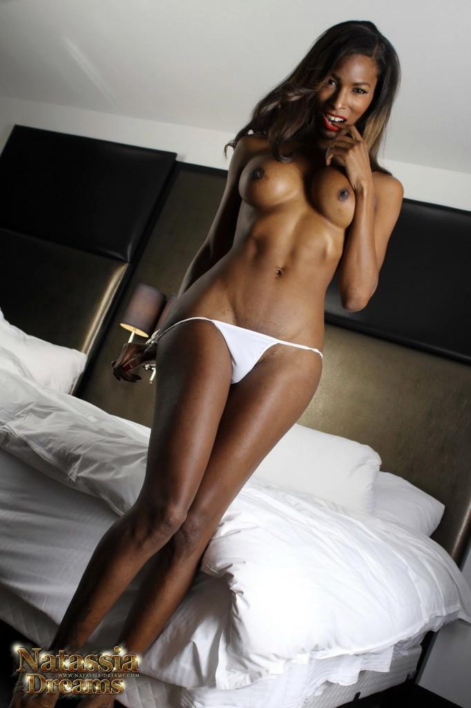 Natassia Shaking Her Booty Penis