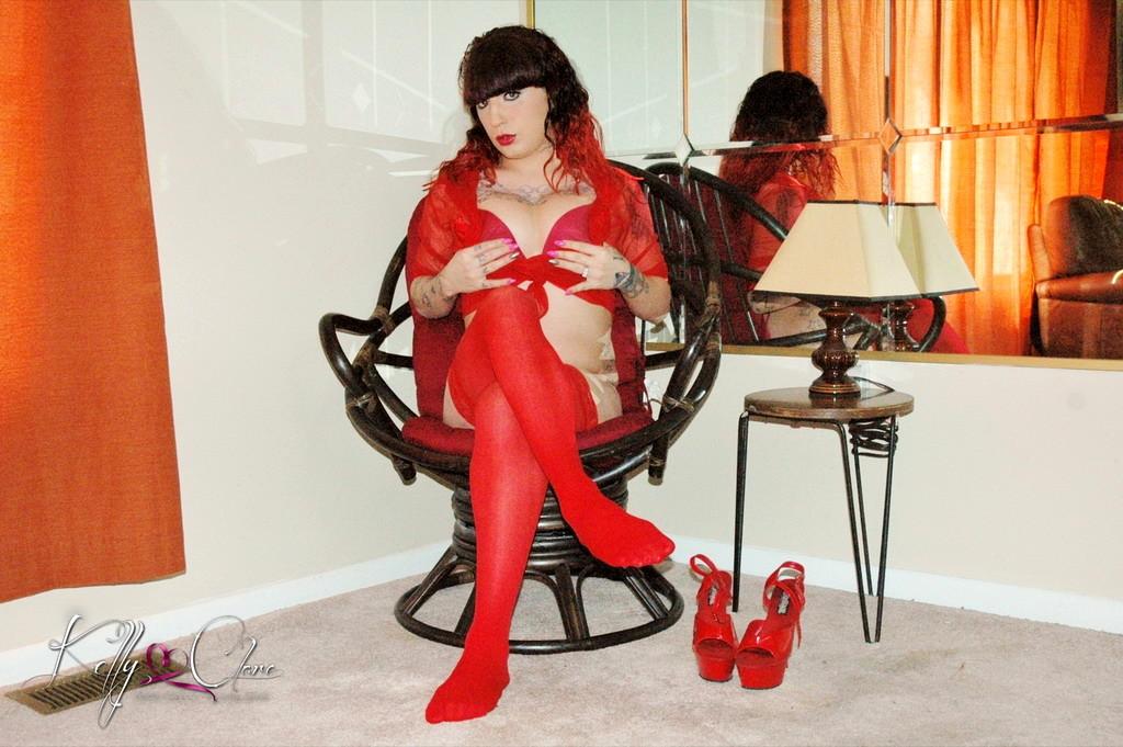 Raw Kelly In Beautiful Red Nighty