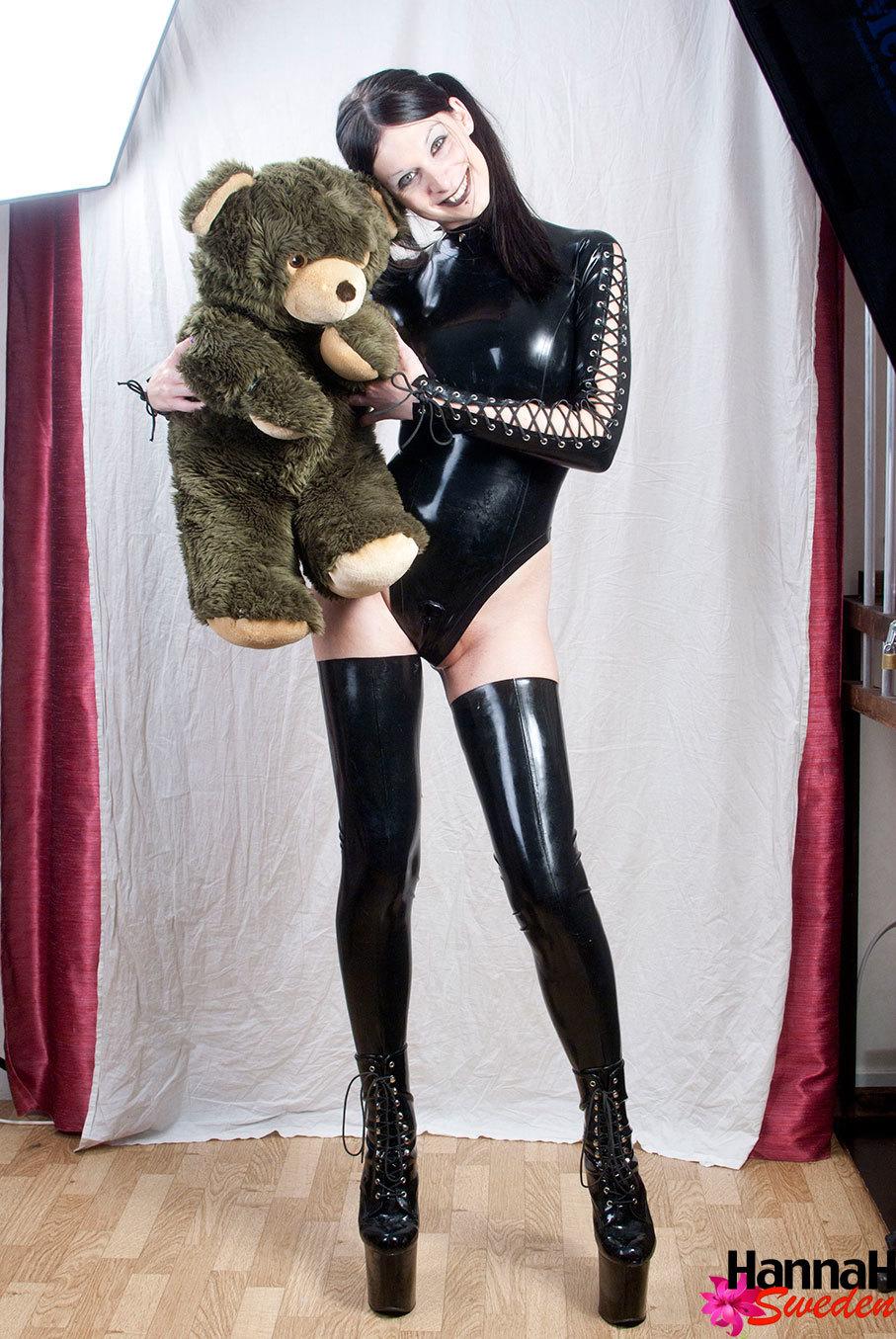 Seductive Brunette Ladyboy Posing In Latex