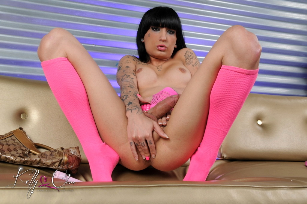 Super Sexy Kelly Stroke's Her Big Tool