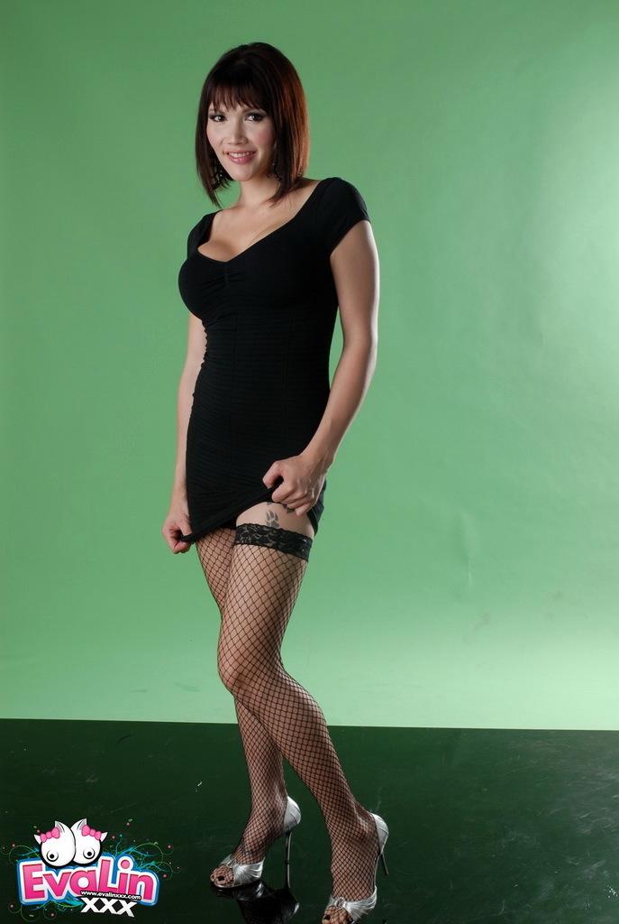 Unbelievably Racy Eva Posing In Stockings