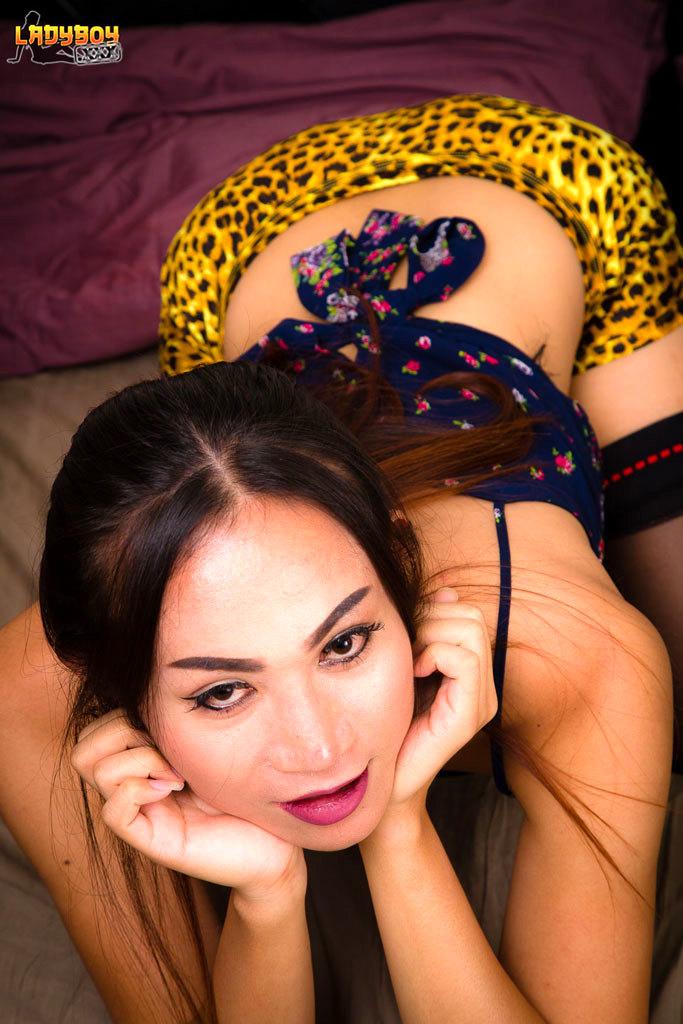 Ying Rub's Her Yang!