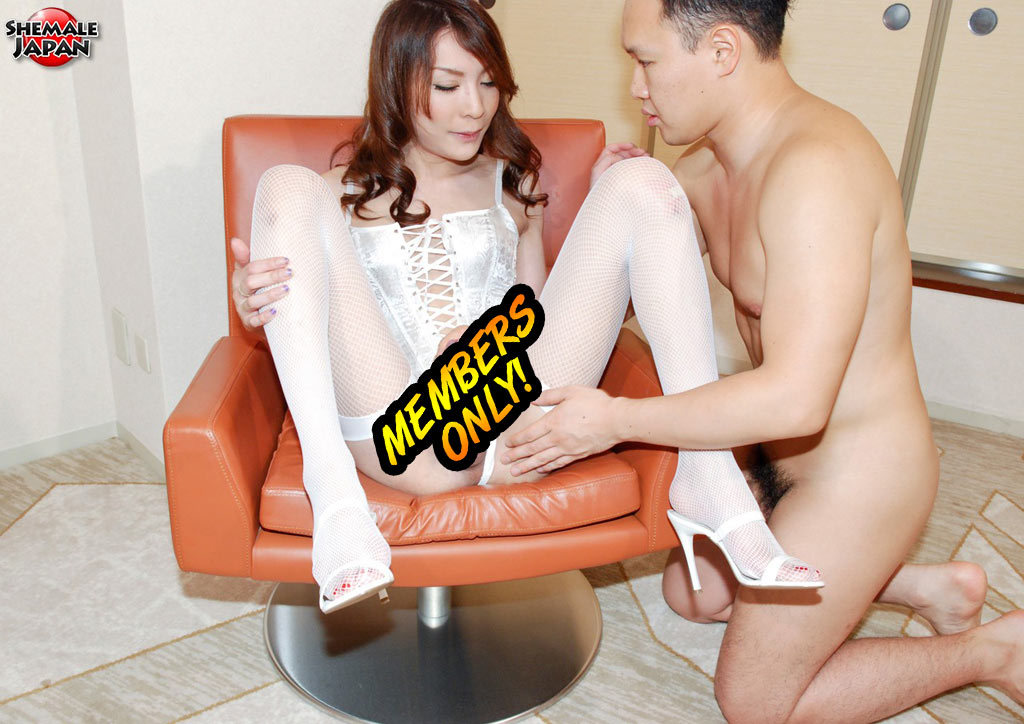 Yuu Kakisaki Craves Sex. Her Favorite Ways Of Having Sex Incl
